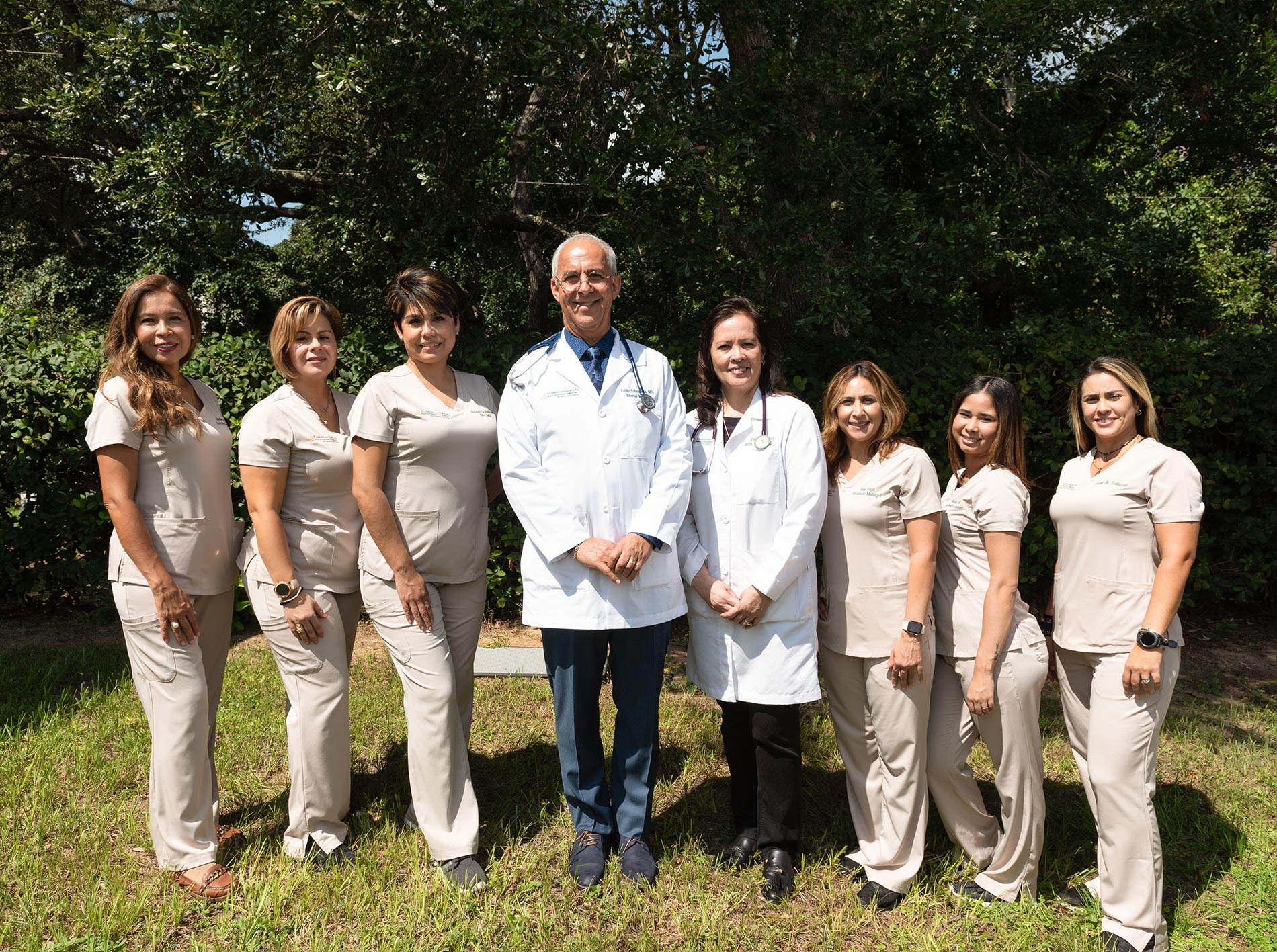 Dr. Echavarria and staff strive to meet your expectations by providing the best possible quality care to their patients, putting your needs and comfort first.